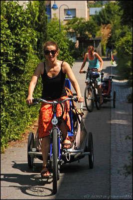 Mums, bicycles and trailers