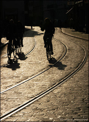 Lines and bicycles in Salzstraße