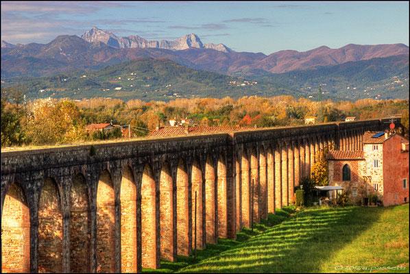 Acquedotto Nottolini in HDR, San Quirico (Lucca)