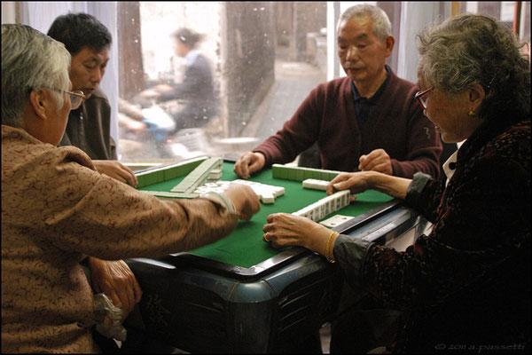 Some elders playing in Yangzhou