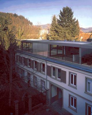 denkmalgeschütztes Mehrfamilienhaus in Schopfheim; Dachterrassen und Höfe