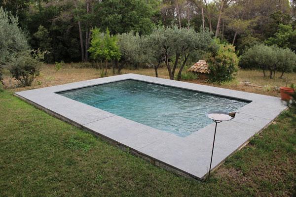 Margelle bassin large (60 x 3 cm) en Cenia Azul.