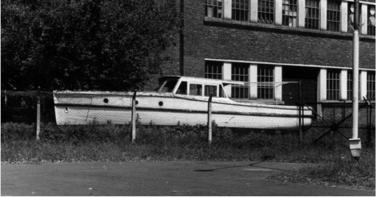 """Geborgenes Verkehrsboot aus dem """"La Plata"""" - heute liegt es in Esenada."""