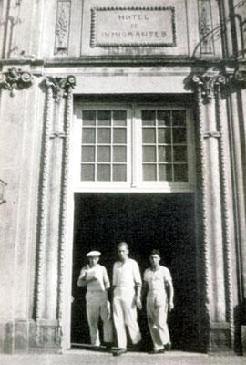 """Haupeingang zum """"Hotel de Inmigrantes""""."""
