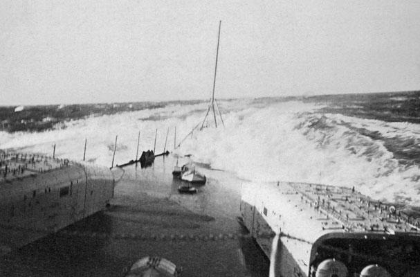 Überkommende Brecher verursachten einen Kurzschluss in der Torpedoanlage.
