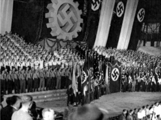 Foto 1-5; Mai-Feier bzw. Sonnenwendfeier im Luna-Park in Buenos Aires - 16.000 Teilnehmer und mehr waren durchaus üblich.