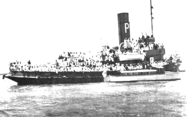 """Die """"Lancha"""" mit der Hafenpräfektur und dem Botschafter sind am Schlepper """"Coloso"""" längseits gegangen."""