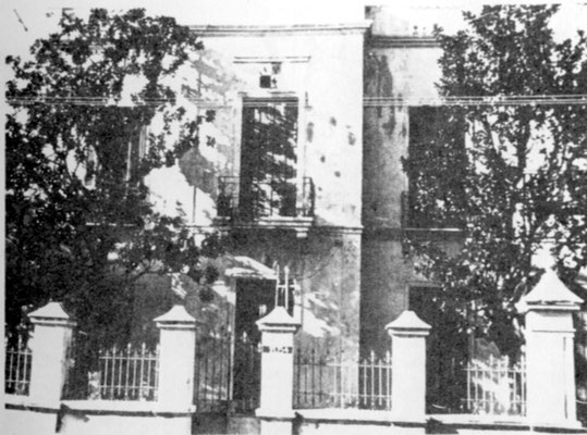 """Rosario - Viertel """" Barrio Alberdi"""" - oben über dem Balkon ist das """"Graf Spee"""" Wappen gut zu erkennen."""