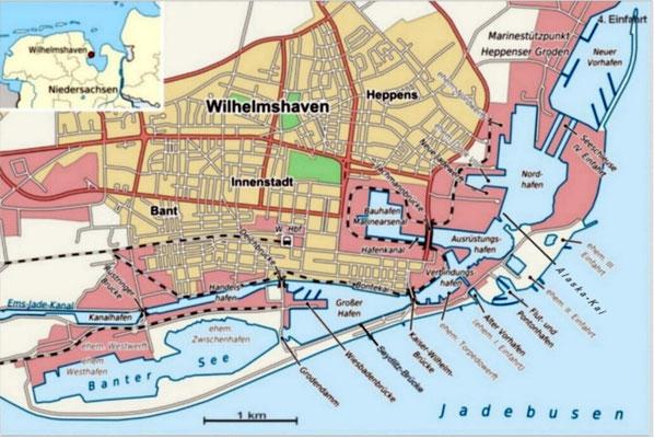 """Die Karte zeigt in etwa den Zeitraum ab 1942 bis in die Gegenwart. Sowohl die ehemaligen drei, als auch die vierte Einfahrt, sind erkennbar und die Anlage """"Neuer Vorhafen"""", der Mitte der 1950ger Jahre entstand."""