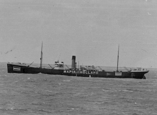 """Der holländische Dampfer """"Mapia"""". Weiterfahrt das Neutraler."""