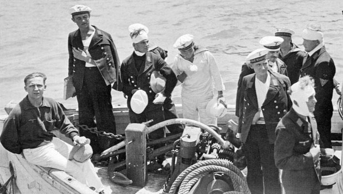 Die restlichen Verletzten werden von Bord gebracht - 17.12.39