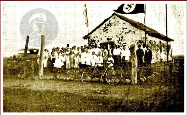 Deutsche Schule mit HK-Flagge.