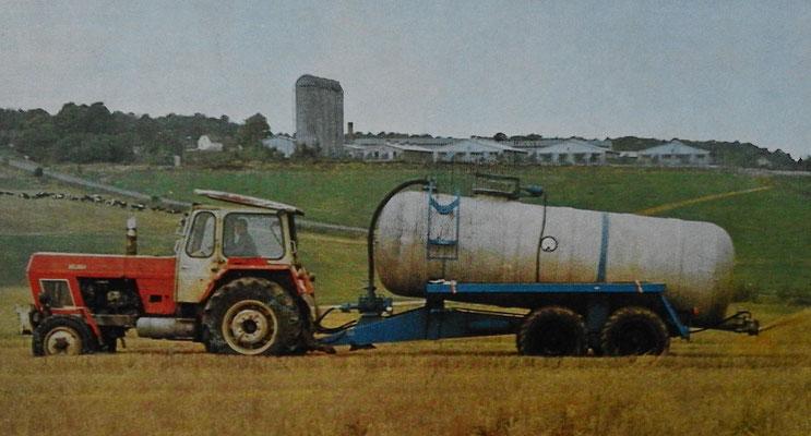 Fortschritt Traktor mit HTS Güllewagen