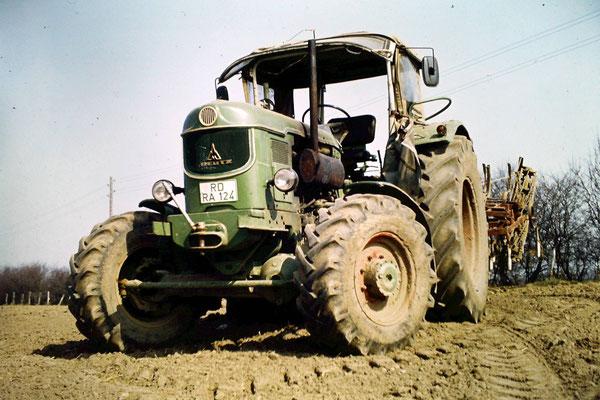Deutz Traktor 8005