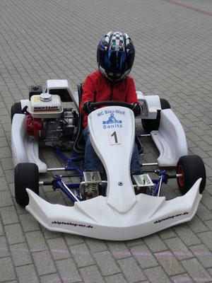 Land Hadelns Norick Meier wurde beim 4. Vorlauf zur Dt. Kartslalom-Jugendmeisterschaft in Sanitz am 09.06.2013 Fünfter von acht Startern