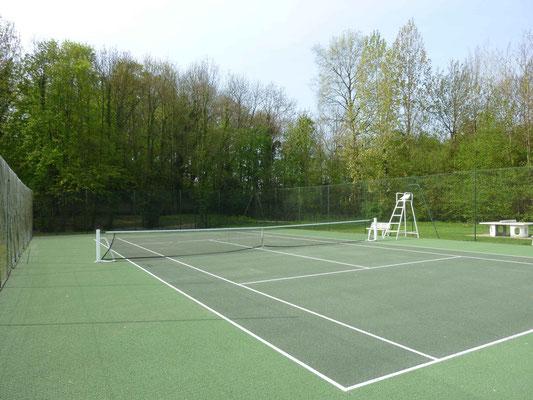 Le seul court de tennis entre Péronne et Nesle