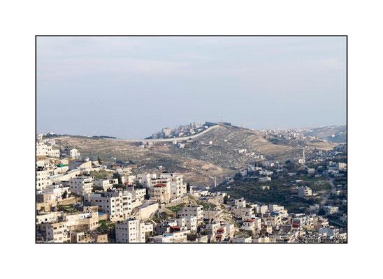 20/02/2012 Betlemme - sullo sfondo il muro