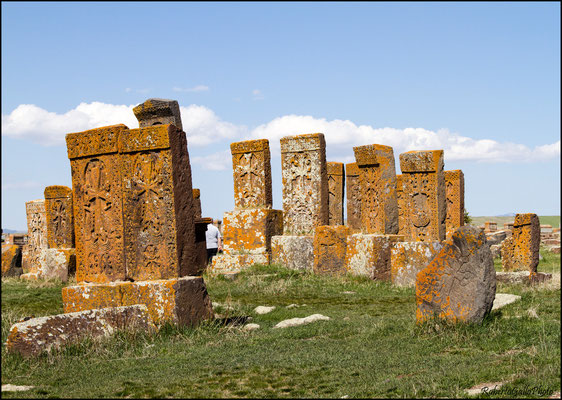 Cimitero medievale di Noraduz