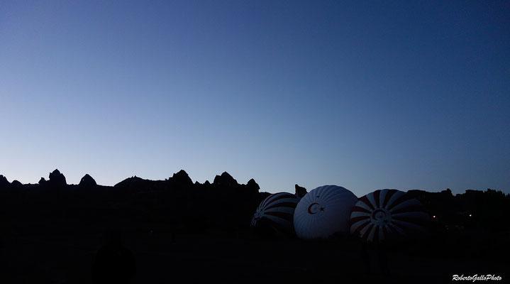 Cappadocia - aspettando l'alba in mongolfiera