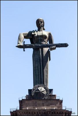Yerevan - Statua della Madre Armenia