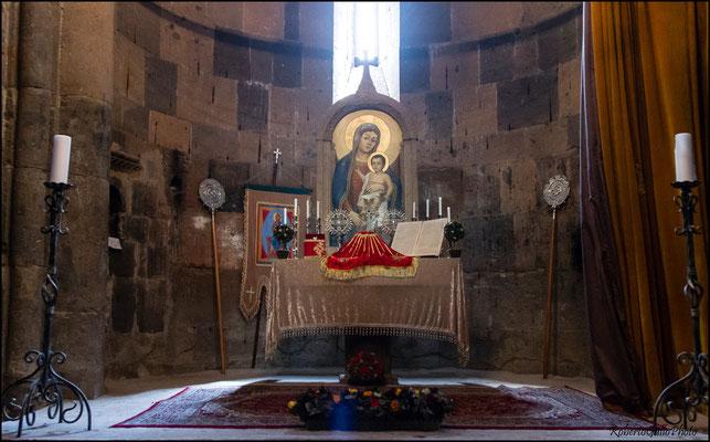 Monastero di Saghmossavank - altare