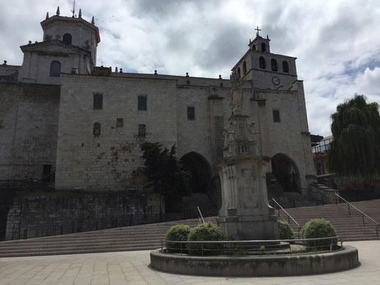 Kathedrale im historischen Kern Santanders