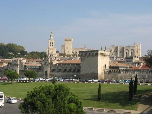 Der Papstpalast zu Avignon
