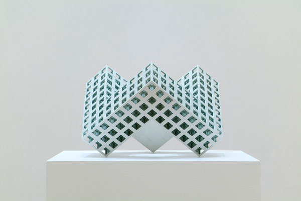 Lattice receptacle 06-B, 2006, Porcelain, h.39×w.57×d.65㎝
