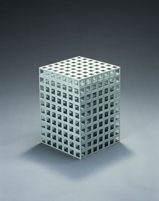 Lattice receptacle‐02(白銀比),  2002, Porcelain, h.43.5×w.31×d.31cm