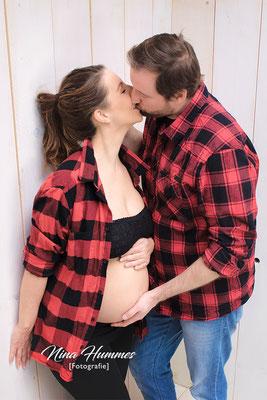 Babybauchfotografie in Pulheim , Frechen / Shooting / Fotoshooting in der Schwangerschaft
