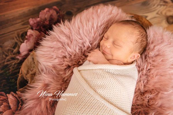 Fotograf Junkersdorf / Neugeborenenfotografie / Babyfotografie / Studio Junkersdorf
