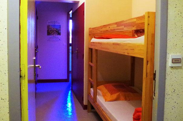 Entrée du studio 3 avec deux lits superposés