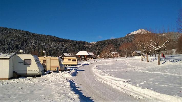 Camping caravaneige, ouvert toute l'année.