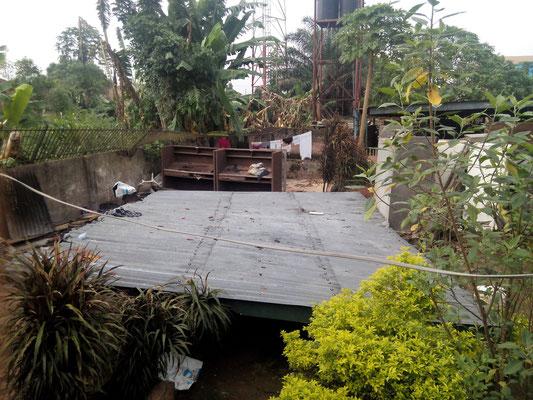 Juni 2015: het dak van de keuken is ingestort.