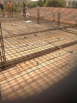 Vloer met betonijzer voor de 1e etage.