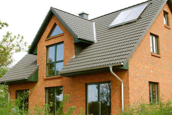 2013 – Bordelum – Neubau – Lehmbauplatten, Lehmsteine, Lehmputz und Wandheizung in allen Wohnräumen