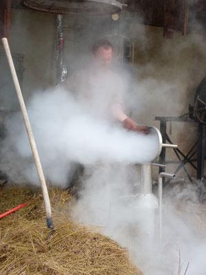 Nettoyage du vase florentin à la vapeur d'eau