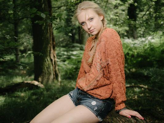 Outdoorshooting, Natur, Wald, Karlsruhe Frau, blond, Zopf, Katrin