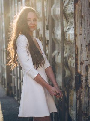 Gegenlicht, Portrait, Shooting, Mannheim, Haare, Container, Sonne, Model, Kleid, natürlich, Hafen