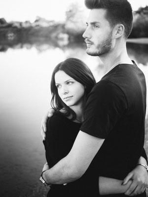 Paar, Pärchen, Lovebirds, Fotoshooting, Karlsruhe, Fotograf, See, Marisa, Michael, Natur, schwarzweiß