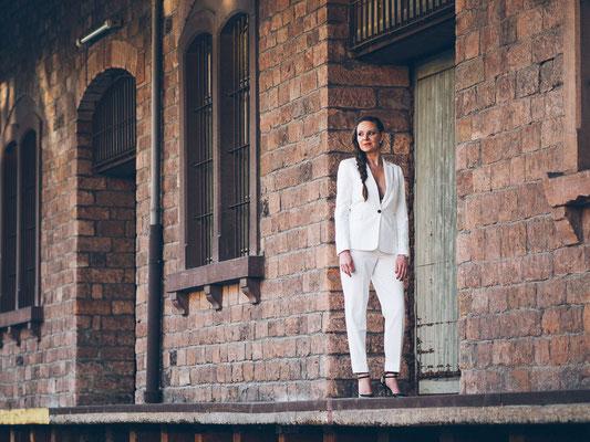 Portrait, Business Outfit, Laderampe, Mannheim, Hafen, Model, Fotograf,