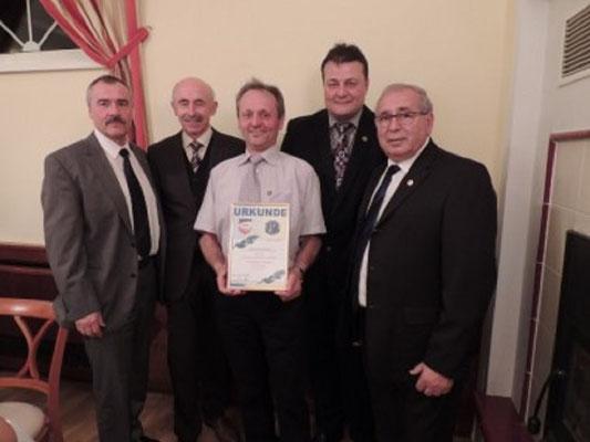 Ehrenzeichen in Gold Schiedsrichtergruppe Waldviertel Kollege Walter Müllner