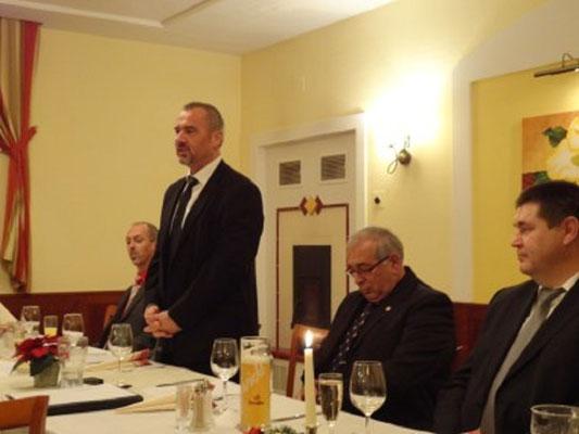 Vizepräsident des NÖFV Reinhard Litschauer mit Grußworten