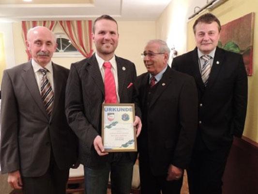 Dieter Madlberger erhielt das Ehrenzeichen der Schiedsrichtergruppe Waldviertel in SILBER