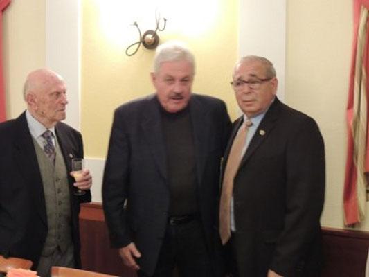Alois Polzer mit Vizebürgermeister Aschauer und GL Pfeiffer