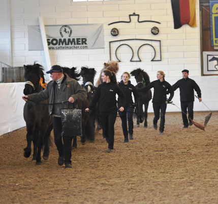 Team Hofgut Retzenhöhe - alle Hengste im Griff