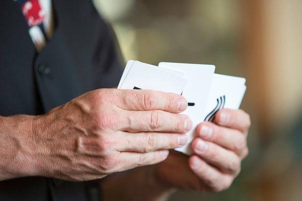 Zauberer, ESP Karten - Extra Sensory perception wurde von Dr. Rine an der Universität von New York entwickelt!  Mentalshow, Mental Show, the, Mentalist, der, Gedankenlesen, begeistert in Heilbronn, Karlsruhe, Pforzheim