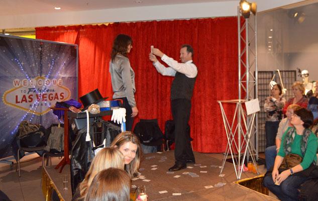 Zauberer Mosbach, Zauberer für Mosbach, Kinderzauberer Mosbach, Sehr gerne kommt Magic Oli Wonder auch nach Gundelsheim, Neckarbischoffsheim und ins Elztal. Der Mentalist für Mosbach ist auf Geburtstag Hochzeit und Firmenfeier unterwegs und verzaubert