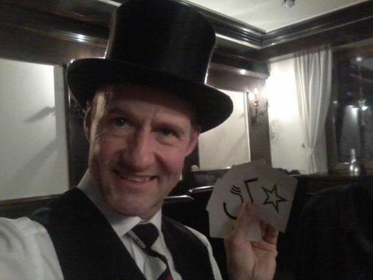 Zauberer, Mentalshow, Gedankenlesen, begeistert in Heilbronn, Karlsruhe, Pforzheim, Mentalist in Karlsruhe mit seiner Zauberer - Mentalshow auch in Heilbronn, Karlsruhe, Pforzheim, Karlsbad, Remchingen, Durchlach, Bruchsal und Bretten