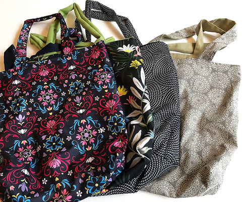 bunte Einkaufstaschen